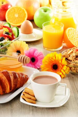 Breakfast-included-package-Courtyard-LaGuardia